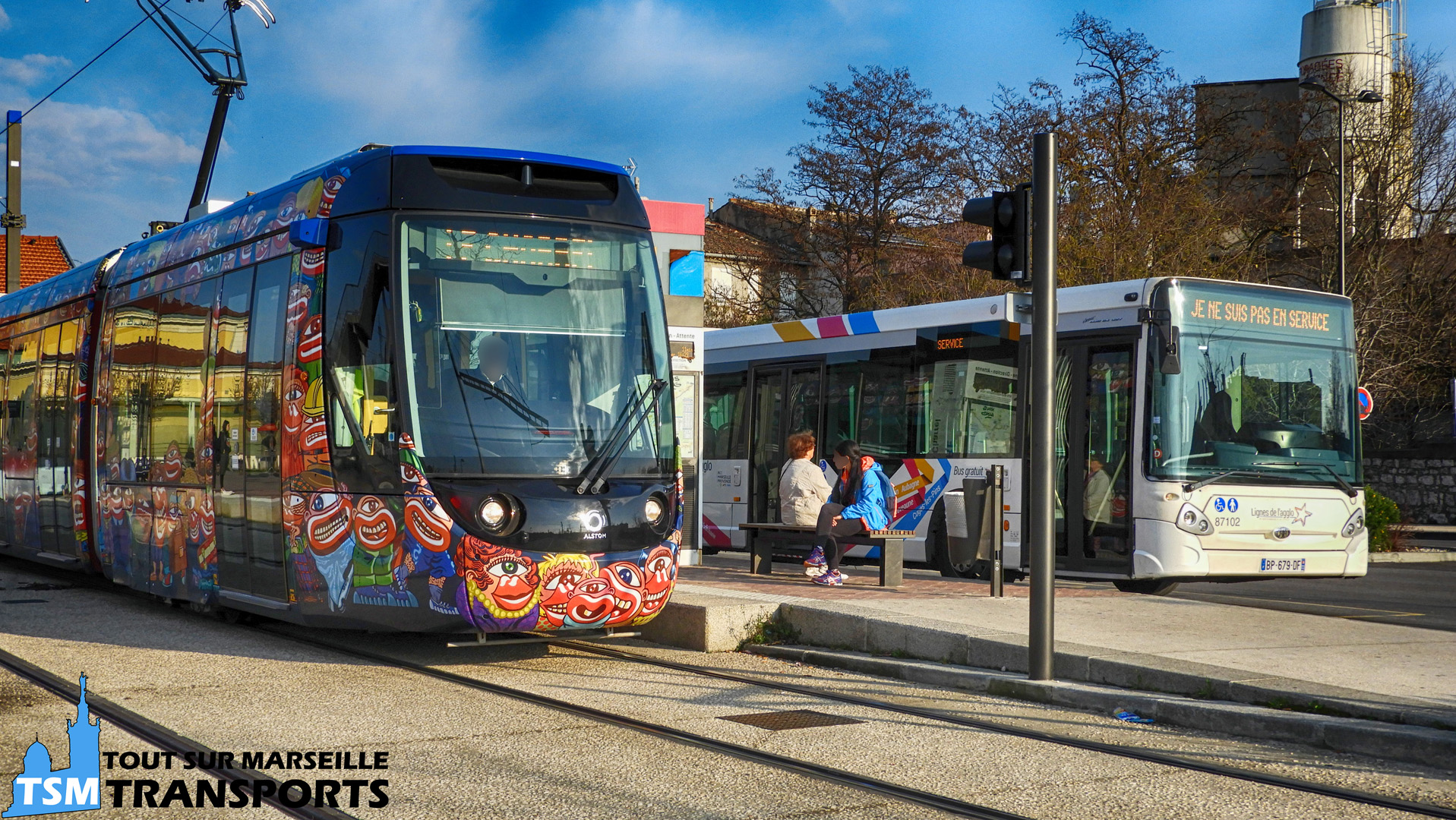 Alstom Citadis Compact RTM et Heuliez Bus GX 327 SPL FACONEO