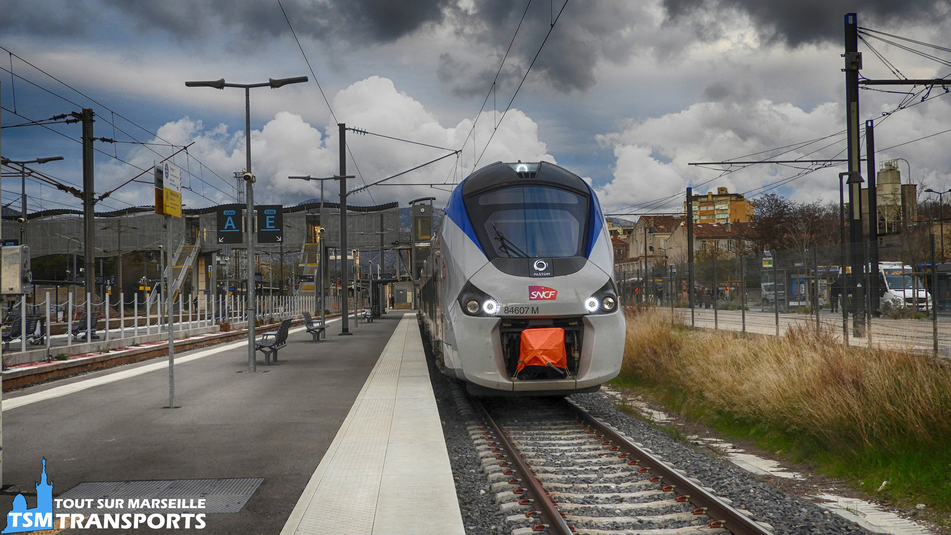 Alstom Régiolis B84607 M à la gare d'Aubagne