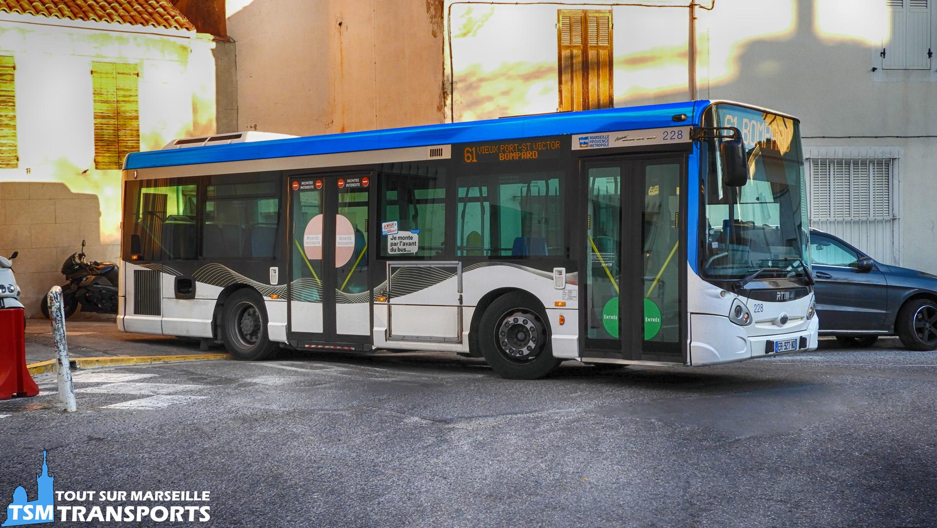 Heuliez Bus GX127 RTM n°228 à son terminus Bompard
