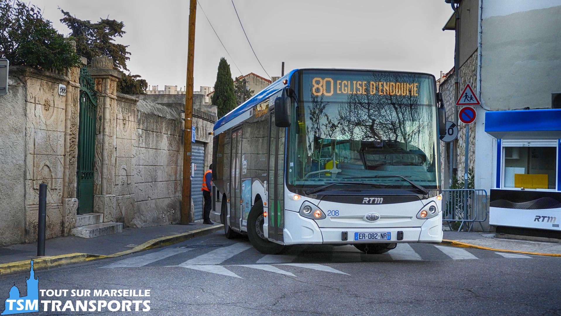 """Heuliez Bus GX127 RTM n°208 en manœuvre pour stationné à son terminus """"église d'endoume"""""""