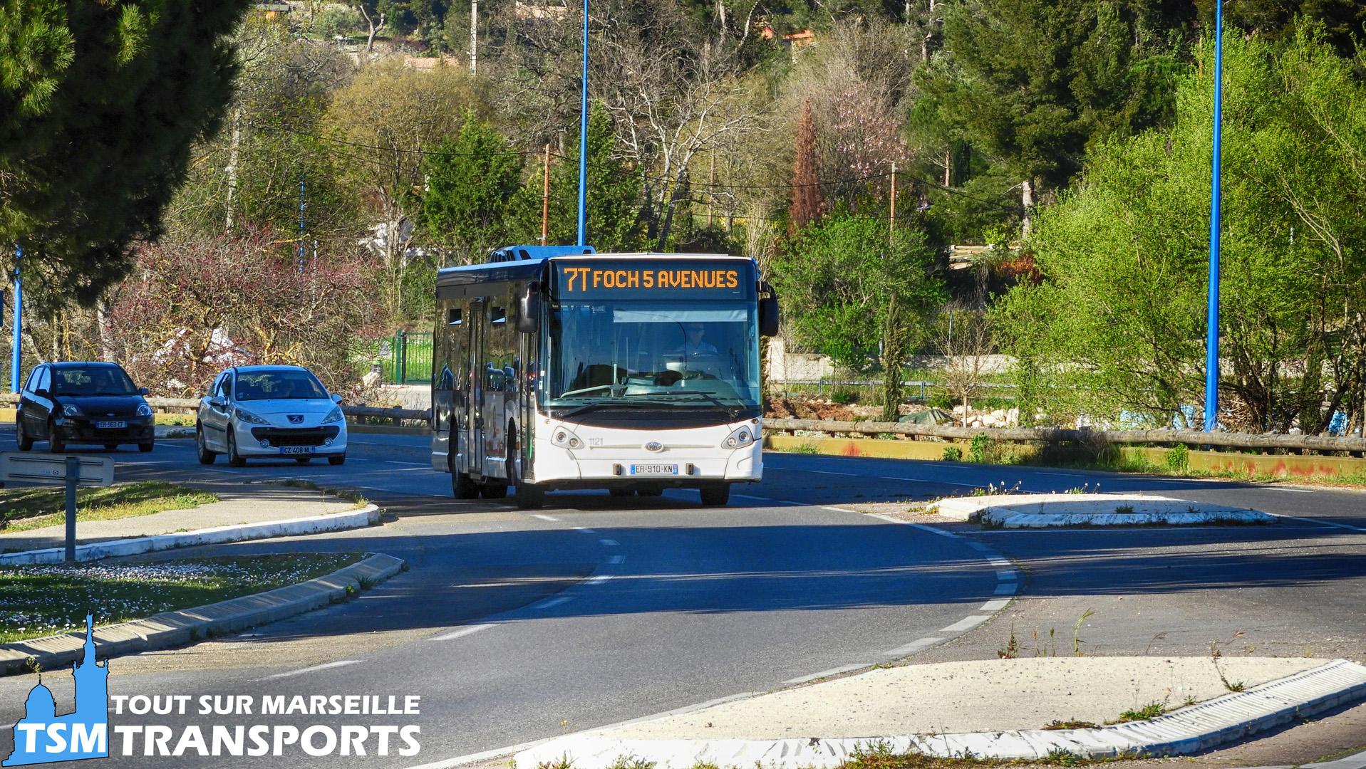 Heuliez BuS GX327 RTM n°1121 sur l'Avenue de Provence à Allauch
