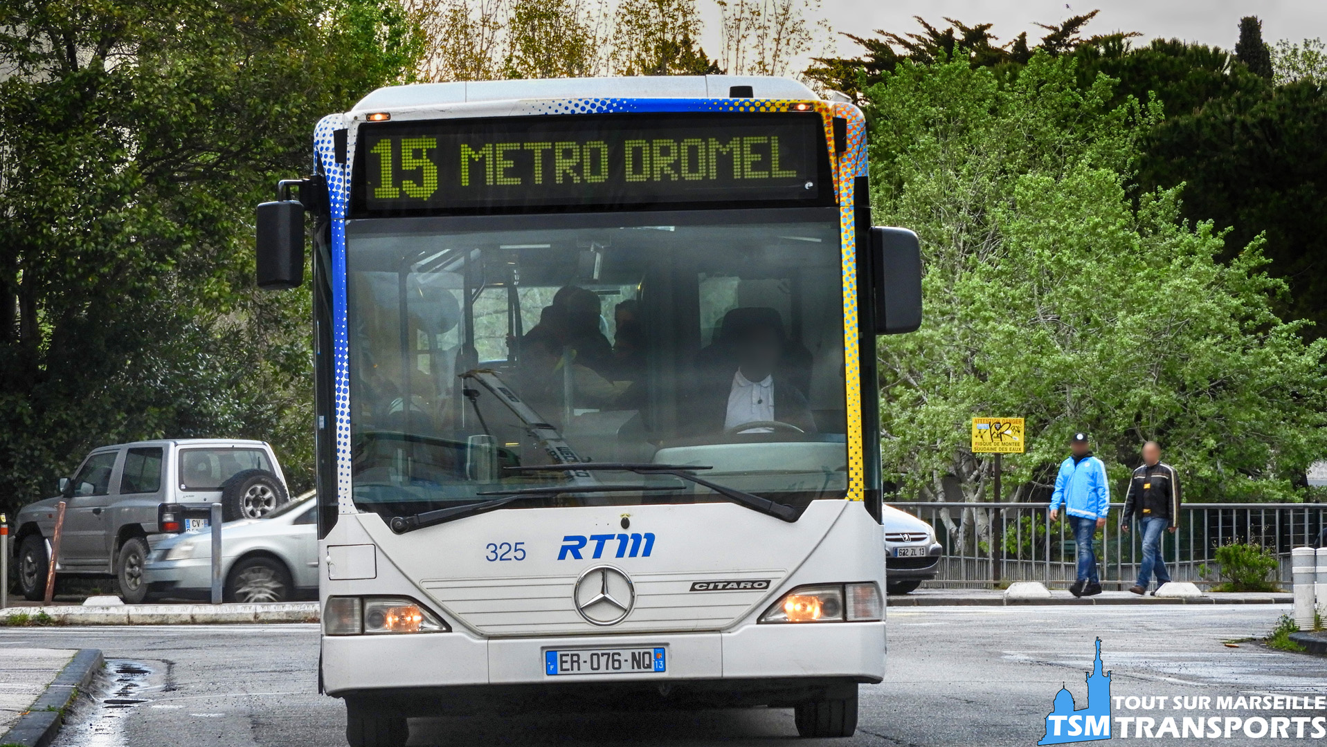 Mercedes Benz Citaro 1 RTM n°325 en livrée Fusion à la gare d'échange du Métro Sainte Marguerite Dromel