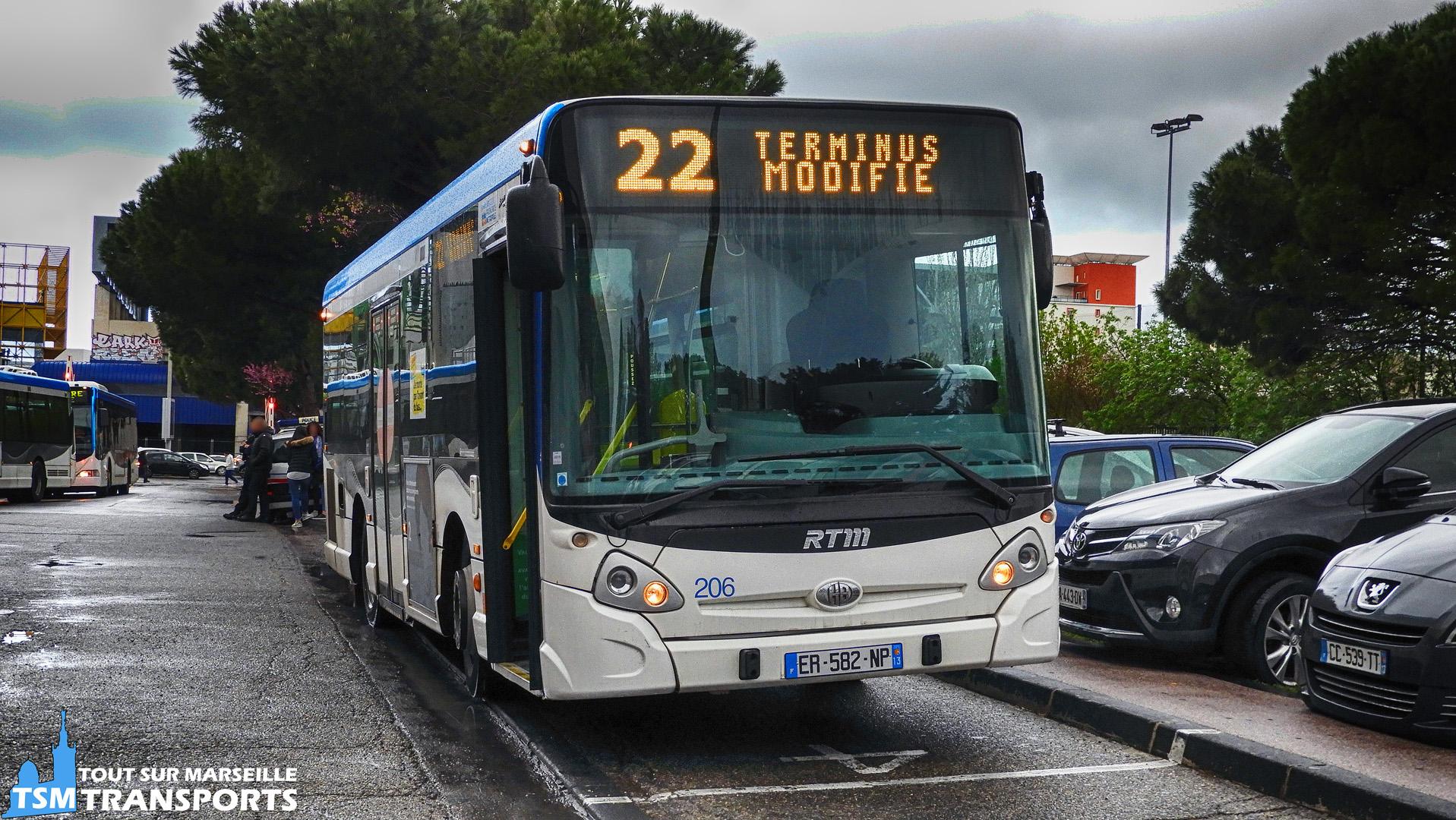 Heuliez Bus GX127 RTM n°206 à la gare d'échange du Métro Sainte Marguerite Dromel