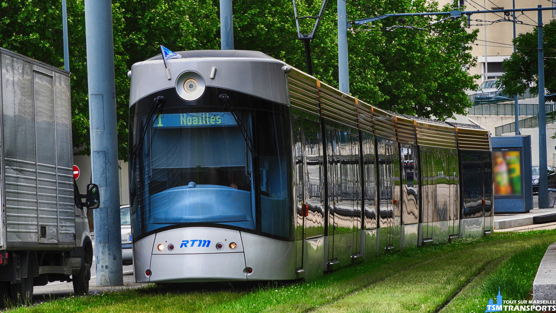 Bombardier Flexity Outlook Type C RTM qui quitte la station William Booth