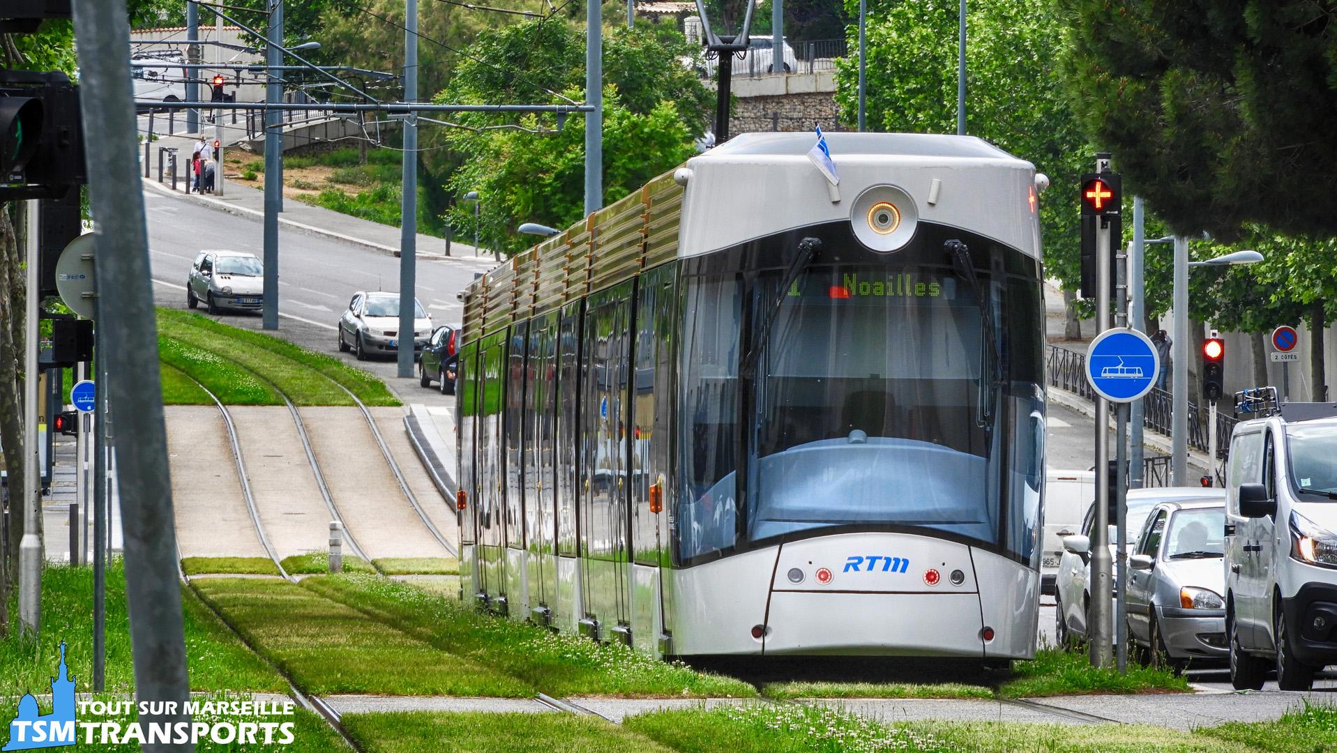 Bombardier Flexity Outlook Type C RTM à l'approche de la station William Booth