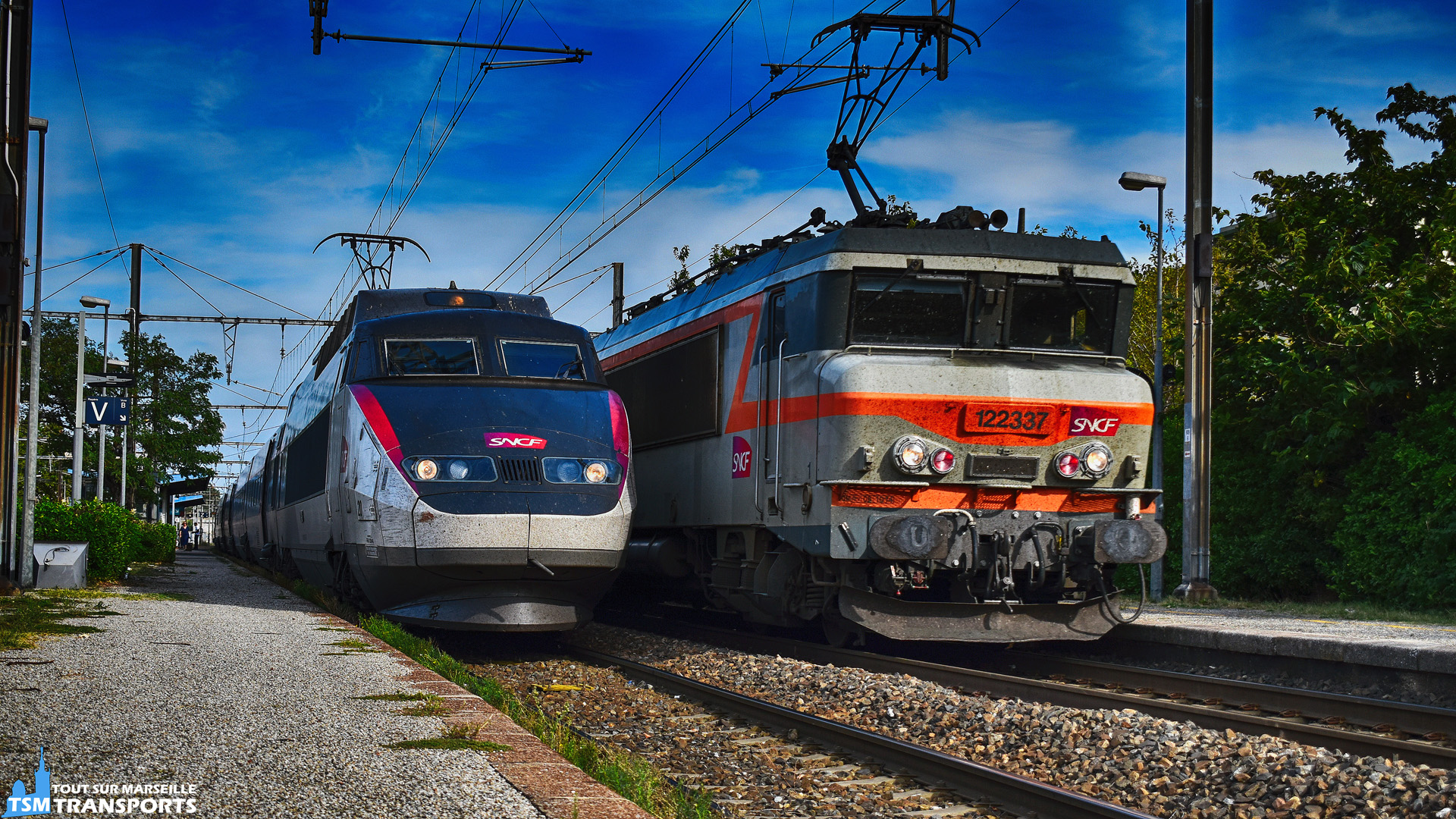 Alstom TGV Sud Est n°20 et BB22337 SNCF