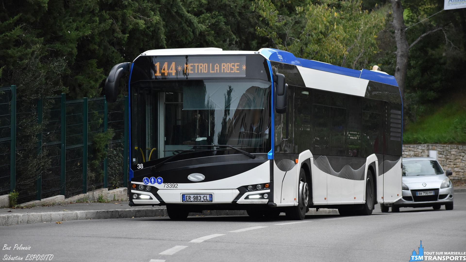 Montée de l'Avenue du Général De Gaulle pour ce Solaris Urbino 12 V4, qui aura pour prochain arrêt le Terminus d'Allauch. . ℹ️ Solaris Urbino 12 V4 Transdev CAP Provence n°73392 (RTM n°38). . 📍 Avenue du Général De Gaulle, 13190 Allauch. . ↔️ 144 Métro La Rose - Allauch. . 💶 Exploitant : Transdev CAP Provence. . 📸 Nikon D5600. . 📷 Nikkor : 70-300mm. . 📅 17 Novembre 2018 à 15:19. . 👨 Sébastien ESPOSITO.