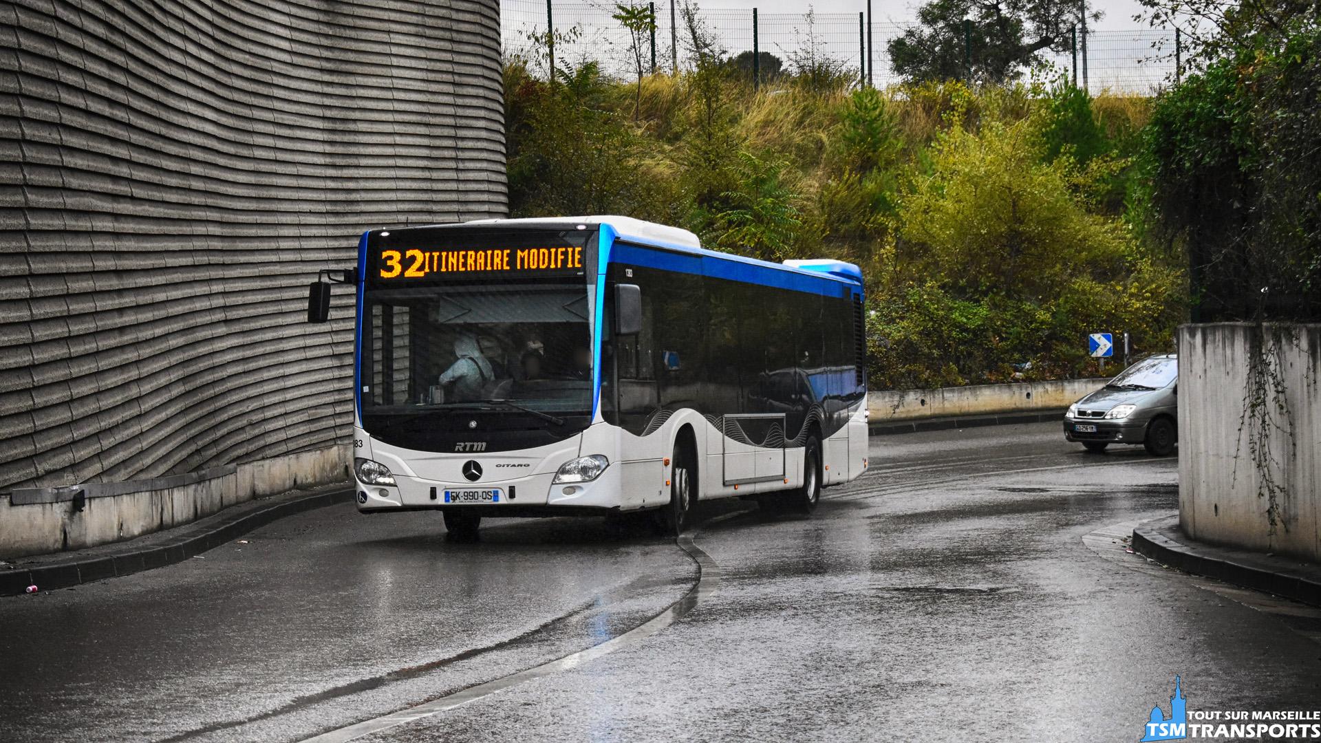 Suite aux travaux du Pont SNCF de Saint Barthélemy, le trafic routier a été impacté, notamment par la fermeture de l'Avenue Claude Monet, par conséquent la RTM à déviée les lignes qui empruntent cet axe. . La ligne 32 (entre autres) se retrouve donc exceptionnellement sur la Rue Cade où je prends donc ce Mercedes Benz Citaro 2 Euro 6 dans la courbe et contre-courbe au niveau de la Halte de Picon Busserine. . ℹ️ Mercedes Benz Citaro 2 Euro 6 n°1383 RTM en service sur la ligne 32 en déviation. . 📍 Rue Cade, 14eme arrondissement de Marseille. . ↔️ 32 : Canebière Bourse - Saint Jérôme IUT. . 📸 Nikon D5600. . 📷 Nikkor 18-55mm. . 📅 28 octobre 2018 à 17:06. . 👨 Sébastien ESPOSITO.