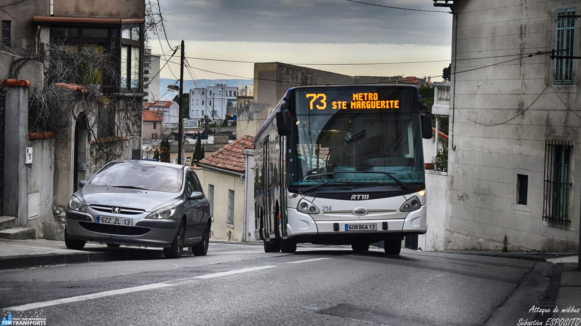 Ce GX127 surgit à la sortie d'une petite courbe du Boulevard Georges Estrangin, après l'arrêt Estrangin Roucas. . ℹ️ Heuliez Bus GX 127 RTM n°214. . 📍 Boulevard Georges Estrangin, 7eme arrondissement de Marseille. . ↔️ 73 : Métro Sainte Marguerite Dromel - Vallon de L'oriol. . 📸 Nikon D5600. . 📷 Nikkor 18-55mm. . 📅 4 Janvier 2019 à 15:47. . 👨 Sébastien ESPOSITO.