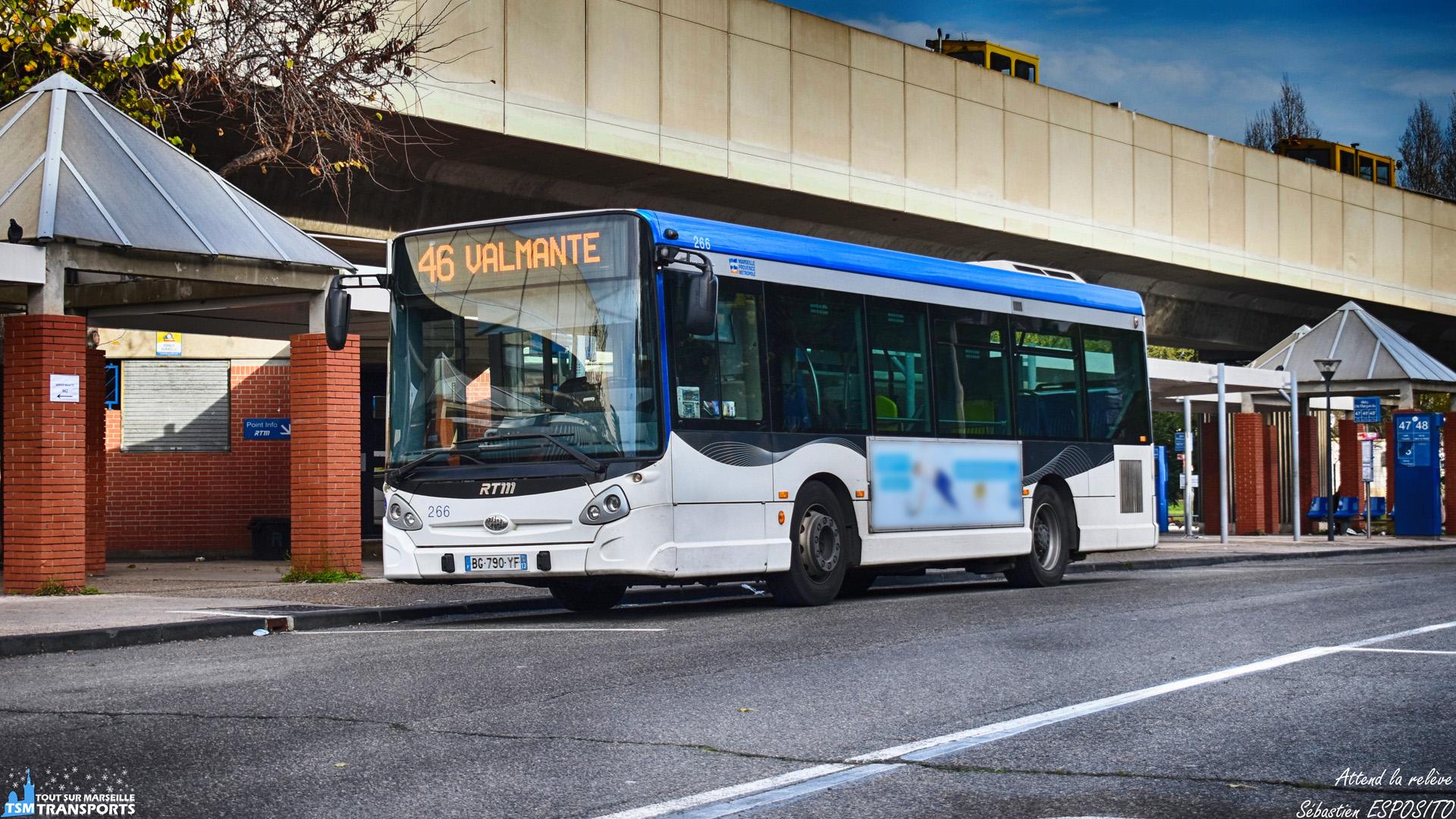 Cet Heuliez bus GX 127 arrivé à son terminus il y a 1 minute, attend la relève du conducteur précédent qui viens de finir journée. . ℹ️ Heuliez bus GX 127 RTM n°266. . 📍 Gare d'échange du Métro Sainte Marguerite Dromel, 9eme arrondissement de Marseille. . ↔️ 46 : Métro Sainte Marguerite Dromel - Valmante. . 👀 Nous pouvons apercevoir sur la passerelle en arrière plan, 2 draisines RTM en sortie exceptionnelle suite au déraillement d'une voiture du Métro sur la même station. . 📸 Nikon D5600. . 📷 Nikkor 18-55mm. . 📅 22 Décembre 2018 à 11:31. . 👨 Sébastien ESPOSITO.