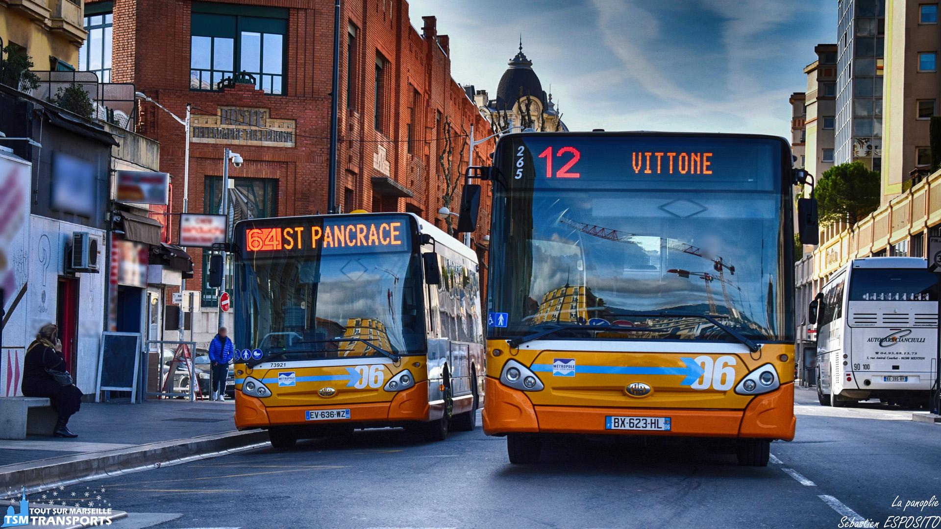 La famille GX s'offre à moi devant la Gare de Nice Ville, avec d'un côté, un GX 137 et de l'autre un GX 327 aux couleurs des Lignes d'Azur. . L'année s'achève sur cette photo prise à la pause déjeuner de notre session de spot en Gare de Nice ville, j'espère que cette année ce sera bien passé pour vous et que la prochaine le sera tout autant. . L'équipe de TSM TRANSPORTS, le photographe, comme les personnes dans l'ombre, qui permettent le bon fonctionnement de ce compte, vous souhaite une très belle année 2019 🥂. . ℹ️ Heuliez bus GX 137 n°73921 Transdev Rapides Côte d'Azur. . ℹ️² Heuliez bus GX 327 n°265 Régie Ligne d'Azur. . 📍 Gare de Nice Ville, Avenue Thiers 06008 Nice. . ↔️ 64 : Gare SNCF - Saint Pancrace. . ↔️² 12 : Gare SNCF Thiers - Vittone. . 📸 Nikon D5600. . 📷 Nikkor 18-55mm. . 📅 26 Décembre 2018 à 12:31. . 👨 Sébastien ESPOSITO.