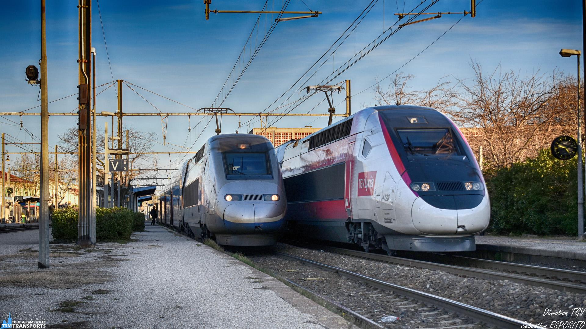 Samedi 26 Janvier 2019, une inondation des voies SNCF à Saint Barthélemy et permettant de rejoindre la LGV Sud Est, a provoqué la déviation de certains TGV et dans l'après midi, seul les trains vers Paris sont encore déviés jusqu'au lendemain 10h. . Voici donc une des photos les plus difficiles à reproduire à l'avenir, deux TGV en Gare de Miramas, l'un habituellement ici pour assuré le 6198 quotidien, l'autre est.... Le dernier né des TGV Lyria, j'ai nommé l'Euroduplex 4720 fraîchement habillé de sa livrée Lyria, passant exceptionnellement par la ligne classique pour contourner le dérangement de Saint Barthélemy et accusant plus de 2 heures de retard. . ℹ️ Alstom TGV Duplex n°258 SNCF. . ↔️ TGV 6198 : Miramas - Paris Gare de Lyon. . ℹ️² Alstom TGV Euroduplex n°4720 SNCF TGV LYRIA. . ↔️² TGV Lyria 9750 : Marseille Saint Charles - Genève Cornavin . 📍 Gare de Miramas, Place Pierre Beley, 13140 Miramas. . 📸 Nikon D5600. . 📷 Nikkor 18-55mm. . 📅 26 Janvier 2019 à 16:48. . 👨 Sébastien ESPOSITO accompagné de @lordregio13 very surpris.
