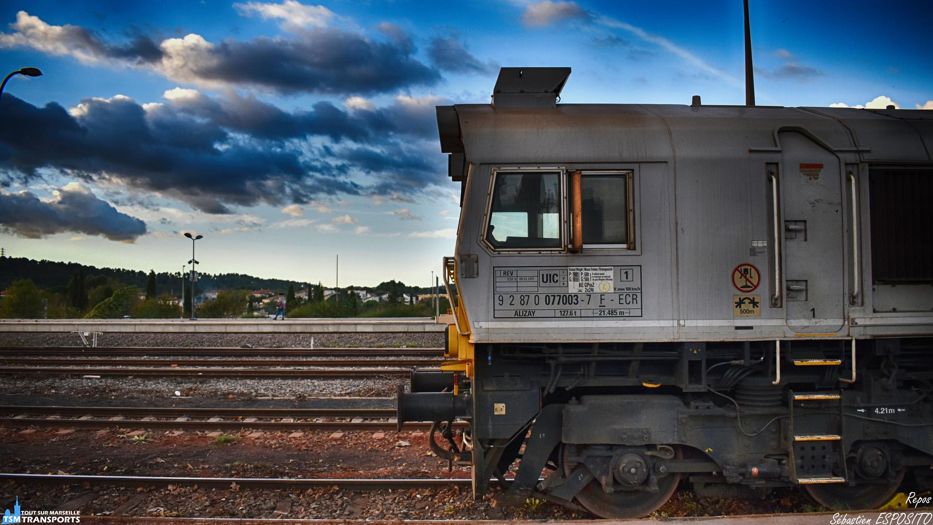 Après l'effort, cette class77, s'offre une pause bien méritée sur l'une des voies de la gare de Gardanne. . ℹ️ EMD Class77 (Class77003) ECR. . 📍 Gare de Gardanne, Place de la gare, 13120 Gardanne. . 📸 Nikon D5600. . 📷 Nikkor 18-55mm. . 📅 3 Novembre 2018 à 16:54. . 👨 Sébastien ESPOSITO.