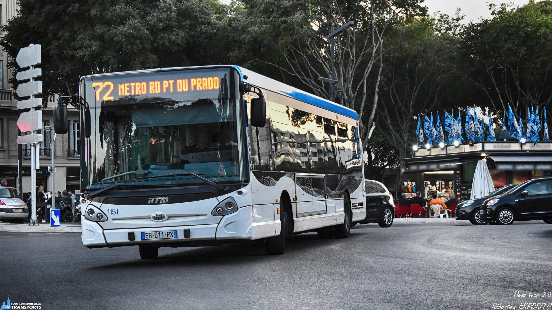 Alors que l'actualité du réseau Marseillais se porte sur les derniers arrivants, les GX327 sont quelque peu oublié depuis ces dernières semaines, la faute à cette nouvelle livrée et aux nouveaux véhicules qui continue toujours d'affluer. . Ici ce GX327 procède à son retournement sur le Rond Point du Prado. . ℹ️ Heuliez Bus GX 327 RTM n°1151. . 📍 Rond Point du Prado, 8eme arrondissement de Marseille. . ↔️ 72 : Métro Rond Point du Prado - Métro Bougainville. . 📸 Nikon D5600. . 📷 Nikkor 18-55mm. . 📅 26 Septembre 2018 à 19:13. . 👨 Sébastien ESPOSITO.