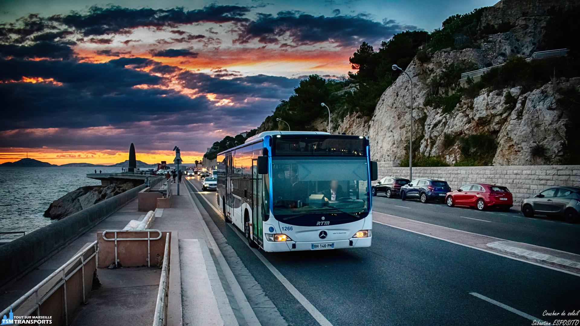 Dimanche soir sur la corniche, encore à l'heure d'hiver, la nuit est vite arrivée, alors que les bus de jour sont encore sur les routes de la cité phocéenne, ce Facelift sur la ligne 83 tourne le dos au magnifique spectacle qui se répète presque tous les soirs. . ℹ️ Mercedes Benz Citaro Facelift n°1266 RTM. . 📍 Corniche Président John Fitzgerald Kennedy, 7eme arrondissement de Marseille. . ↔️ 83 : Métro Rond Point du Prado - Canebière Vieux-Port. . 📸 Nikon D5600. . 📷 Nikkor 18-55mm. . 📅 17 Mars 2019 à 18:54. . 👨 Sébastien ESPOSITO.