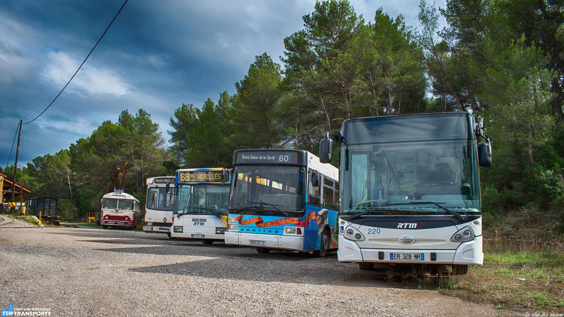 Retour sur les journées européennes du patrimoine (JEP) en Provence, deux associations (CPPVA et ARTM) se sont réunies pour exposer leurs véhicules sauvegarder à l'ancienne Gare de La Barque Fuveau. . Dans la brochette de bus vintage un nouvel arrivant est exposé cette année, après seulement une dizaine d'années de service un GX127 de la RTM a fait son entrée dans la collection de l'association ARTM. . ℹ️ De gauche à droite : - Autobus Chausson. - Renault ER100. - Mercedes Benz O405N3. - Heuliez Bus GX77H. - Heuliez Bus GX127. . Le petit train de la Sainte Victoire était également de la partie durant le weekend des portes ouvertes. . 📖 CPPVA : Conservatoire Provençal du Patrimoine des Véhicules Anciens. . 📖² : ARTM : Les Amis du Rail et des Transports de Marseille. . 📍 Gare de la Barque, Chemin de la bergerie, 13710 Fuveau. . 📸 Nikon D5600. . 📷 Nikkor 18-55mm. . 📅 22 Septembre 2019 à 15:53.