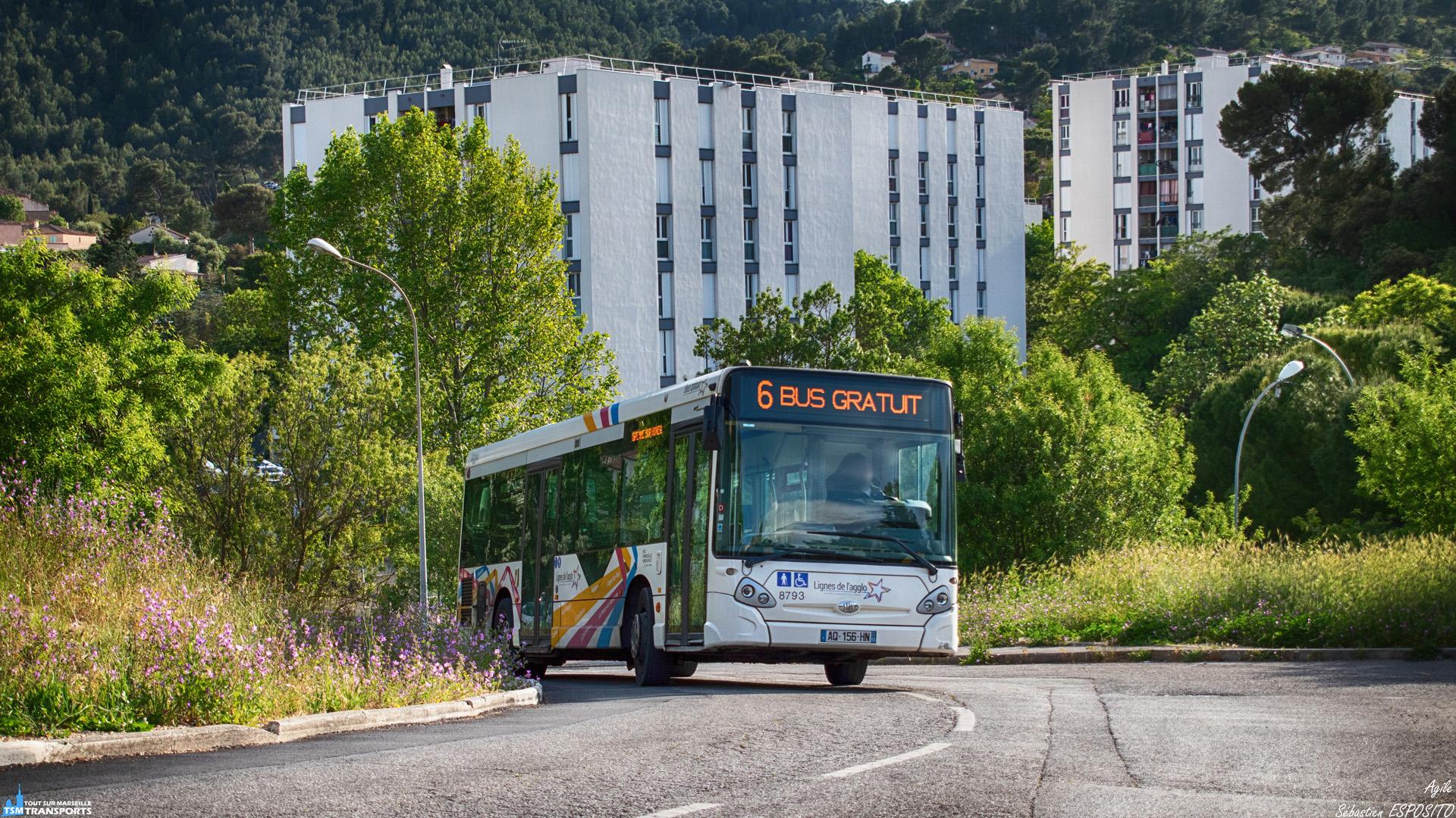 Devant les bâtiments de la Cité des Escourtines, cet AGR, appelé aussi Midibus, démontre son agilité dans la montée en courbe du Chemin des Restanques, qui marque également la frontière entre Marseille et La Penne sur Huveaune. . Ici ce GX 127 viens de desservir le seul arrêt sur le sol de la cité phocéenne avant de retourner sur les terres de Marcel Pagnol. . ℹ️ Heuliez Bus GX 127 L N°8793 SPL Façonéo. . 📍 Chemin des Restanques, 13821, La Penne sur Huveaune, France. . ↔️ 6 : Eiffel (Aubagne) - Les Candolles (La Penne sur Huveaune). . 📖 AGR : Autobus à Gabarit Réduit. . 📖² : Midibus, appelé aussi AGR, bus d'une longueur de 10 mètres environ et une largeur réduite. . 📸 Nikon D5600. . 📷 Nikkor 18-55mm. . 📅 18 Mai 2019 à 18:47. . 👨 Sébastien ESPOSITO.